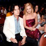 """Zur Freude vieler Fans sind die """"Riverdale""""-Schauspieler Cole Sprouse und Lili Reinhart auch im wahren Leben ein Paar. Heute Abend können sich beide über einen Preis freuen."""
