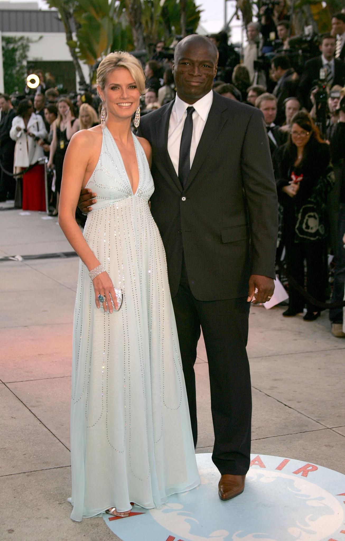 Heidi Klum & Seal: Das Glamour-Paar  Mit Sänger Seal datetHeidi ihren wohl berühmtesten Partner. Während ihrer achtjährigen Ehe nimmt der britische Soulsänger seine bessere, blonde Hälfte mit auf die roten Teppiche dieser Welt und umgekehrt.