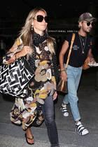 Vor Mustern scheint Heidi Klum ganz offensichtlich keine Angst zu haben. Doch hinter diesem Outfit steckt mehr als nur ein wilder Mustermix. Warum dieses Tunika-Kleid etwas ganz besonderes für Heidiist, hat sie auf ihrem Instagram-Profil verraten ...