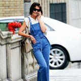 Wen Katie Holmes in diesem Moment wohl am Telefon hat? Die Schauspielerin zeigt auf den Straße New Yorks in einem Jeans-Overall der ganz besonderen Art ...