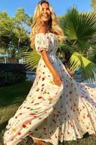 Sommerfeeling pur! Sylvie Meis stellt auf Instagram mal wieder ihren Fashion-Geschmack unter Beweis und macht mit diesem XXL-Kleid alles richtig.