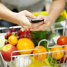 Mann im Supermarkt (Symbolbild)