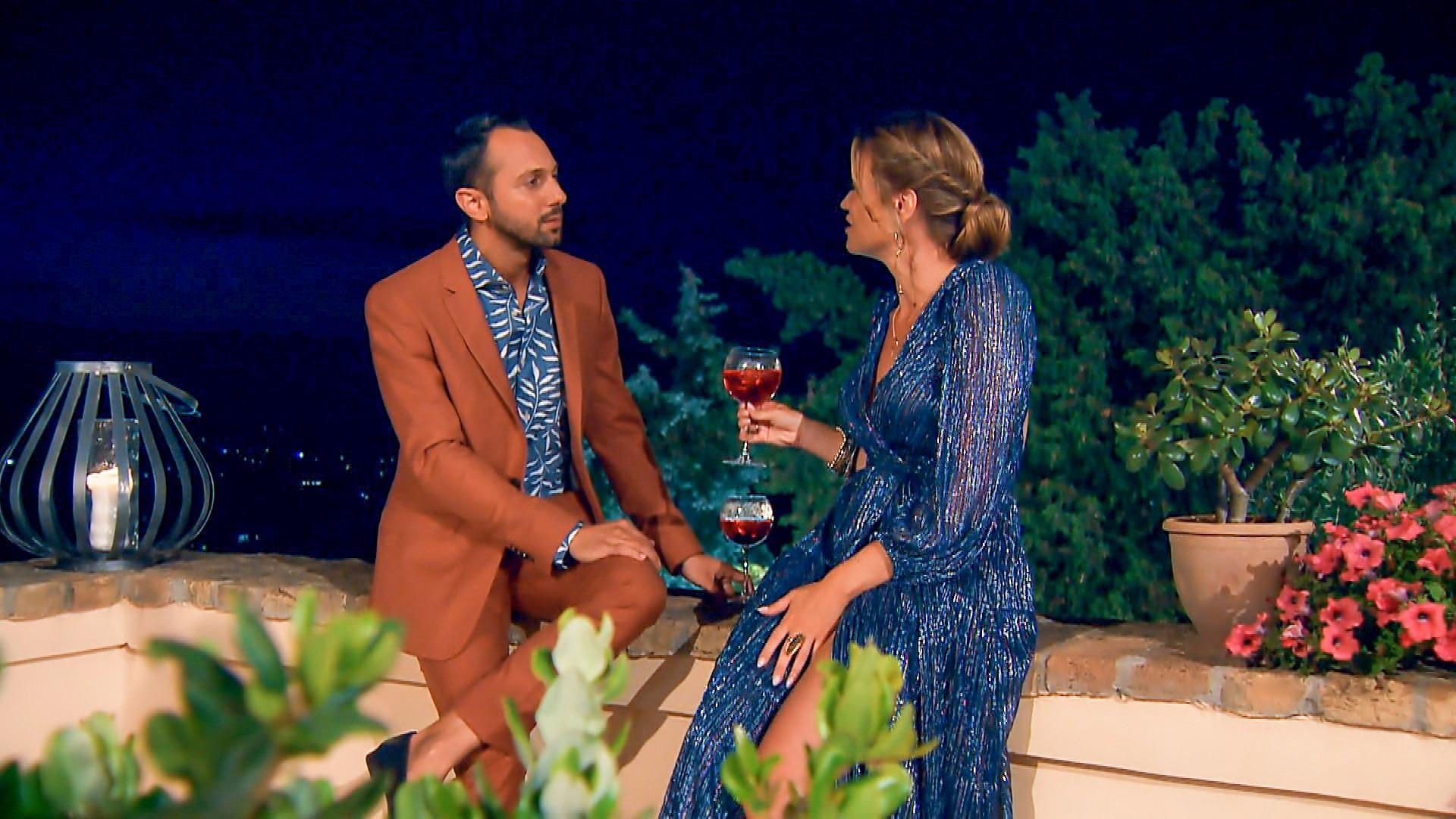 """In der """"Nacht der Rosen"""" sucht Jorgo das Gespräch."""