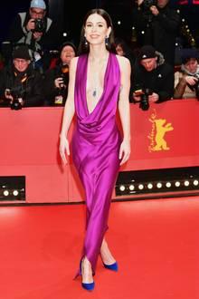 Fans von Lena Meyer-Landrut haben sich bereits das ein oder andere mal Sorgen um die Sängerin gemacht. Es gibtStimmen, die behaupten, Lena sei zu dünn. Bei einer Größe von 1,68 Meter soll Lena nur 52 kg wiegen.