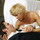 27. November 2007: Folge 312  Die Hochzeit von Diana (Tanja Szewczenko) und Julian (Thorsten Grasshoff) endet in einer Tragödie, denn Julian bricht zusammen und stirbt in Dianas Armen.
