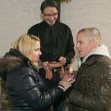 7. Mai 2015: Folge 2172   Bea (Caroline Maria Frier) und Ingo (AndréDietz) lassen sich spontan von Pfarrer Dirk Thomsen (Markus Kirchbaum) trauen.