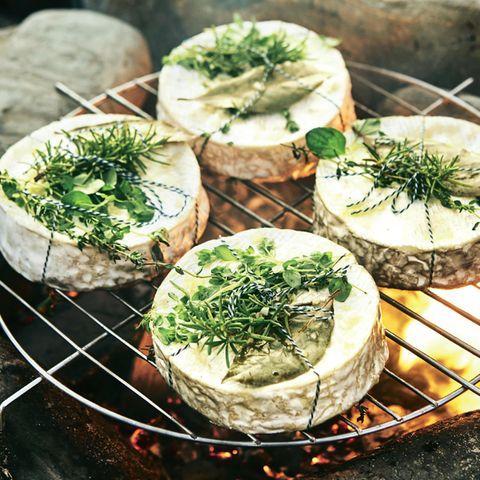 Kräuter-Camembert vom Grill