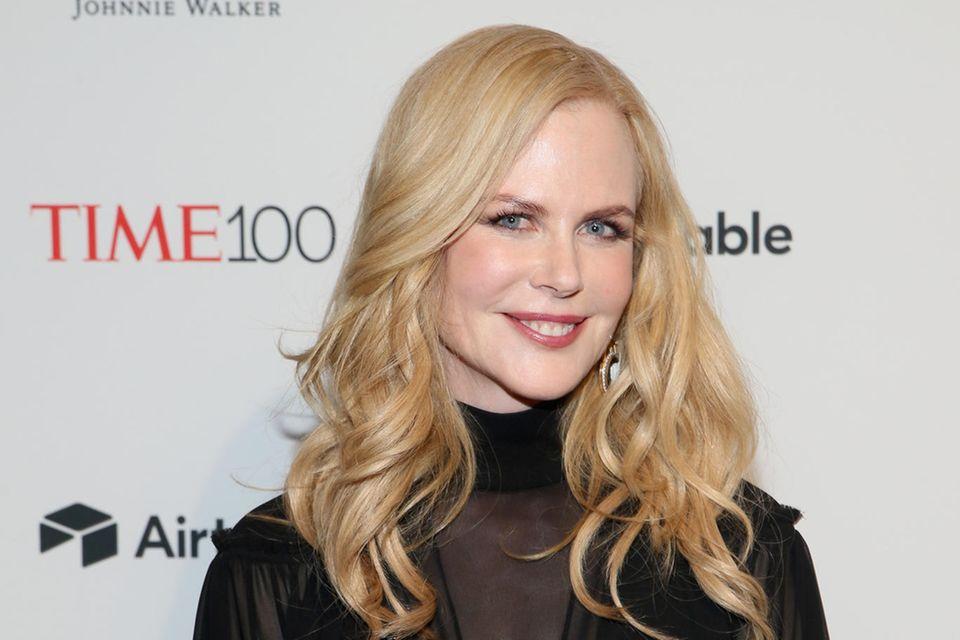 """Nicole Kidman überzeugte im """"Secret Talent Theater"""", einer Talentshow von """"Vanity Fair"""", beim genussvollen Verzehr eines viergängigen Insekten-Menüs mit teils lebendigen (!) Würmern."""