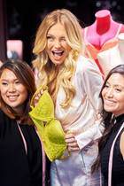 "14. August 2018  Bei einem Pressetermin in Dallas überragt ""Victoria's Secret""-Model Romee Strijd alle."