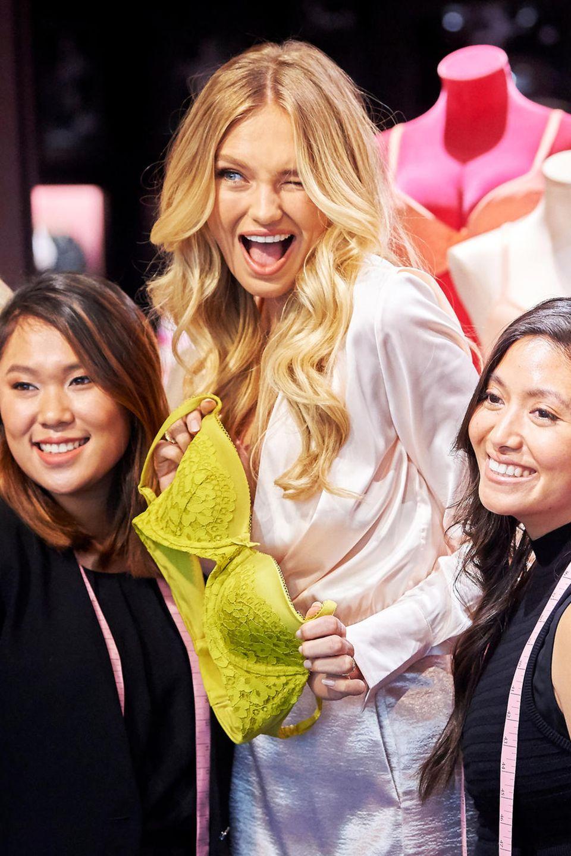 """14. August 2018  Bei einem Pressetermin in Dallas überragt """"Victoria's Secret""""-Model Romee Strijd alle."""