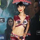 Kaum zu glauben, dass Schauspielerin Bai Ling bereits 51 Jahre alte ist. Beim Anblick diesesbeeindruckenden Wow-Bodys könnte man sie glatt mit einer 20-jährigen Kollegin verwechseln. Fun Fact: Im Juni 2005 zierte sie als erste chinesische Frau den Titel des amerikanischen Playboys. Bis heute präsentiert Bai Ling ihren Körper gerne in sehr freizügigen Outfits.