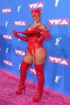 Amber Rose fällt ja immer irgendwie auf, im roten Catwoman-Kostüm tut sie das aber mit absoluter Sicherheit.