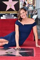 20. August 2018  Stern 2641 geht an Jennifer Garner. Die Schauspielerin (30 über Nacht) strahlt bei der Zeremonie bis über beide Ohren.