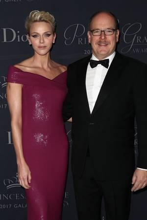 Pflicht erfüllt: Durch ihre Zwillinge haben Albert und seine Frau Charlène die Nachfolge in Monaco ordentlich gesichert.