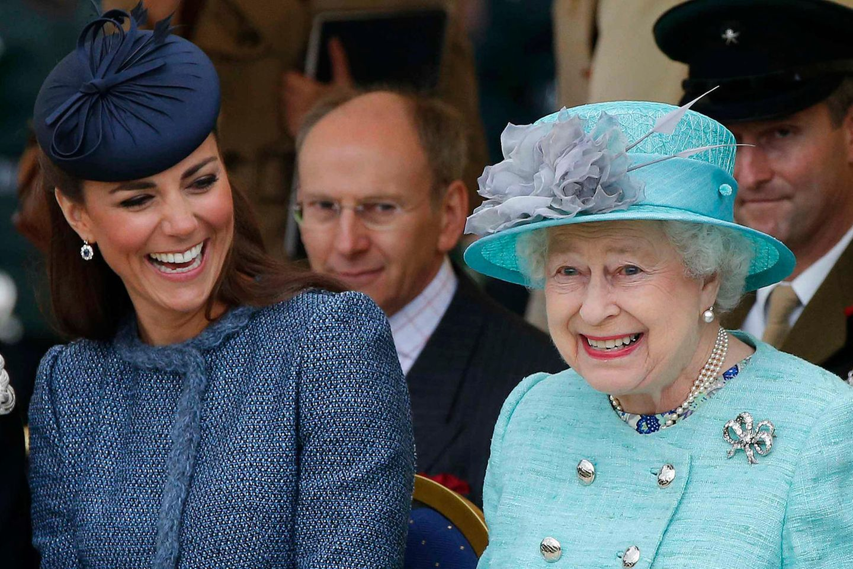 Herzogin Catherine + Queen Elizabeth
