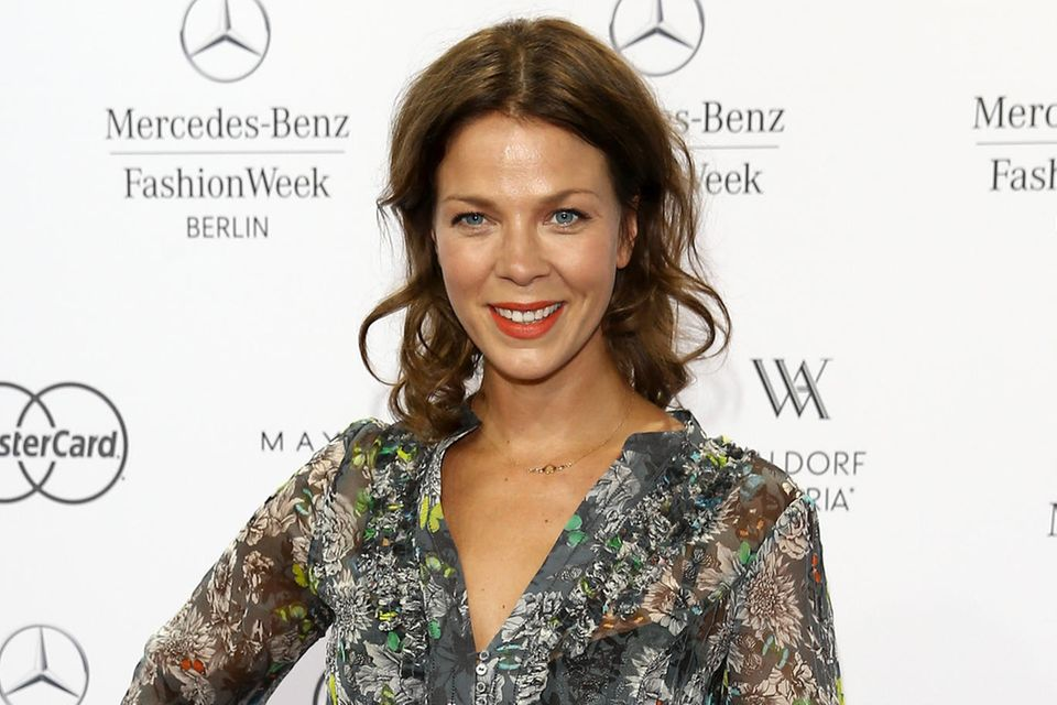 """Zart und taff zugleich: Jessica Schwarz, 41. Die Schauspielerin überzeugte schon in großen Produktionen wie """"Buddenbrooks"""" oder """"Romy"""". Im September steht sie erstmals als Kommissarin vor der Kamera, dreht einen Zweiteiler fürs ZDF"""
