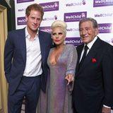Bei einem Treffen mit Lady Gaga kann selbst Prinz Harry mit seinem Glamour-Faktor nicht gewinnen. Er, Tony Bennett und der Popstar haben sich im Juni 2015 bei einem Charity-Konzert in London getroffen.