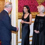 Cheryl Cole in schwarzer Seide und Helen Mirren in schwarzer Spitze: Prinz Charles ist von beiden Besucherinnen im St.James Palast im Feburar 2018 begeistert.