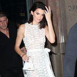 Kendall Jenner wählt die ganz elegante, feine Variante von Jacquemus.