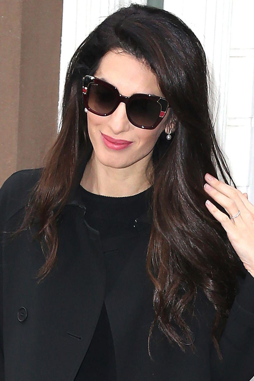 Der Friseur Miguel Perez ist für das Volumen sowie für die leichten Wellen in Amal Clooneys verantwortlich. Nun verpasst er Herzogin Meghan genau den gleichen.