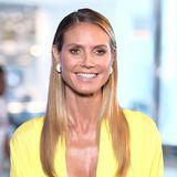 Im Sleek-Look erscheint das Supermodel auf einer Beachclub Eröffnungsparty in Atlantic City. Mit Glätteisen, Haarspray und etwas Haarwax lässt sich auch dieser Look von Heidi ganz einfach zuhause nachstylen.
