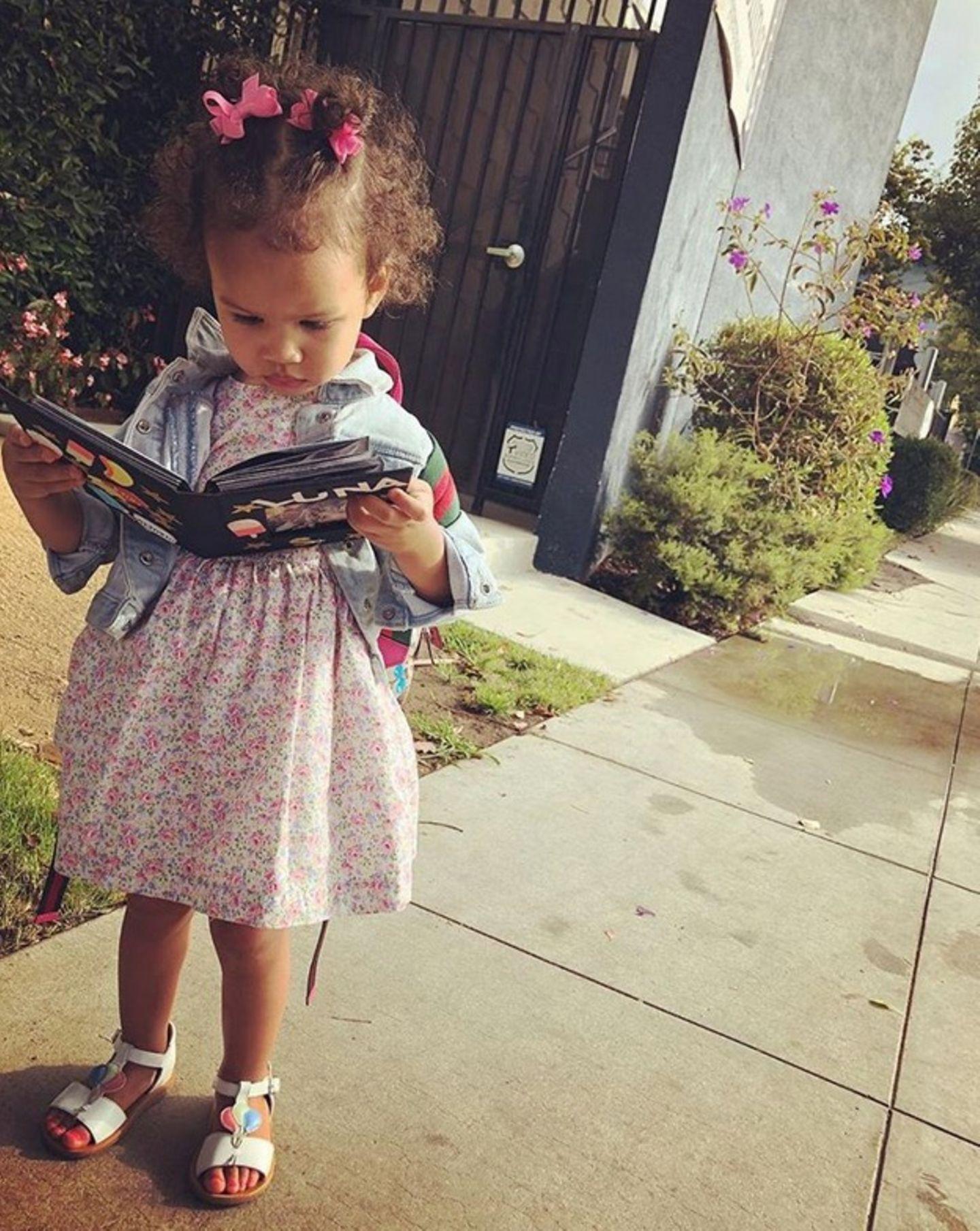 23. August 2018  Ganz schön aufregend! Luna Teigen hat ihren ersten Tag in der Vorschule.