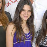 Durch die Pubertät muss auch Kendall Jenner, um sich optisch erst so richtig zu entfalten. Mit 12 Jahren kommt sie noch ganz unscheinbar daher.