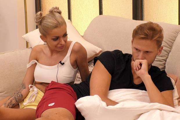 Wenn Katja seine Nähe suchte, versuchte Pascal immer wieder auf Distanz zu gehen.