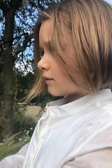 Nachdem Harpers Haare bereits vor einigen Woche deutlich kürzer geschnitten wurden, bekam sie nun einen echten Kurzhaarschnitt verpasst.