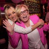 Kaley Cuoco (links) wünscht ihrer eindeutig jung gebliebenen MutterLayne Ann Cuoco alles Gute zum Geburtstag.