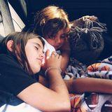 19. August 2018  Das sieht aber gemütlich aus: Alessandras Kinder Anja und Noah halten ein Schläfchen während einer Autofahrt.