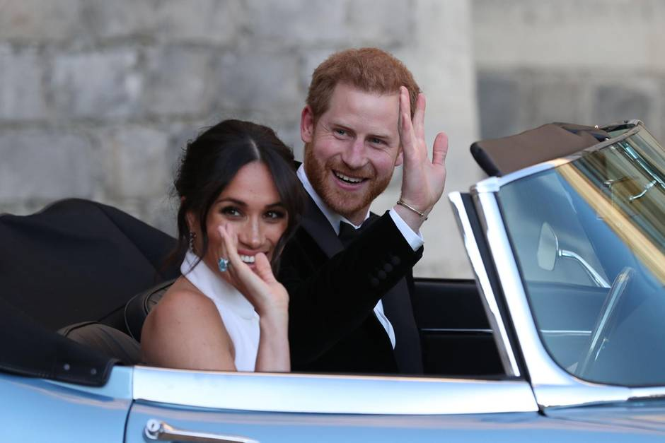 Herzogin Meghan und Prinz Harry in ihrem Hochzeits-Jaguar