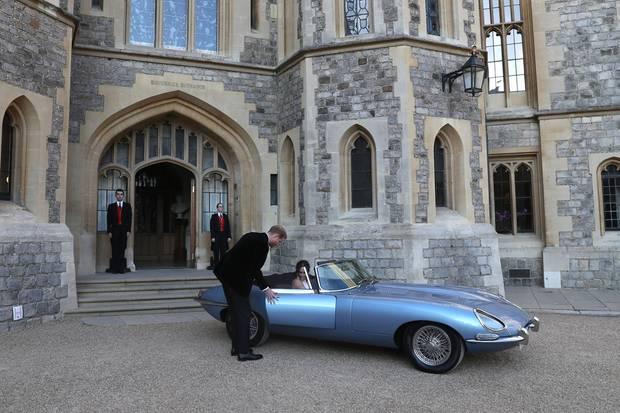 Mit dem flotten Flitzer brachte Prinz Harry Herzogin Meghan zum Hochzeits-Empfang