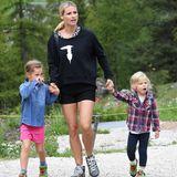 25. August 2018  In der wunderschönen Landschaft von Südtirol wandert Michelle mit den Kids.