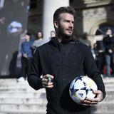 Herrenfrisuren: David Beckham war Held und Stilikone einer ganzen Generation. Wahrscheinlich hat zu seinen Zeiten keiner so viele Trends gesetzt wie er. Und von seinem Stilbewusstsein hat er seitdem nichts eingebüßt, wie er immer wieder eindrucksvoll beweist.