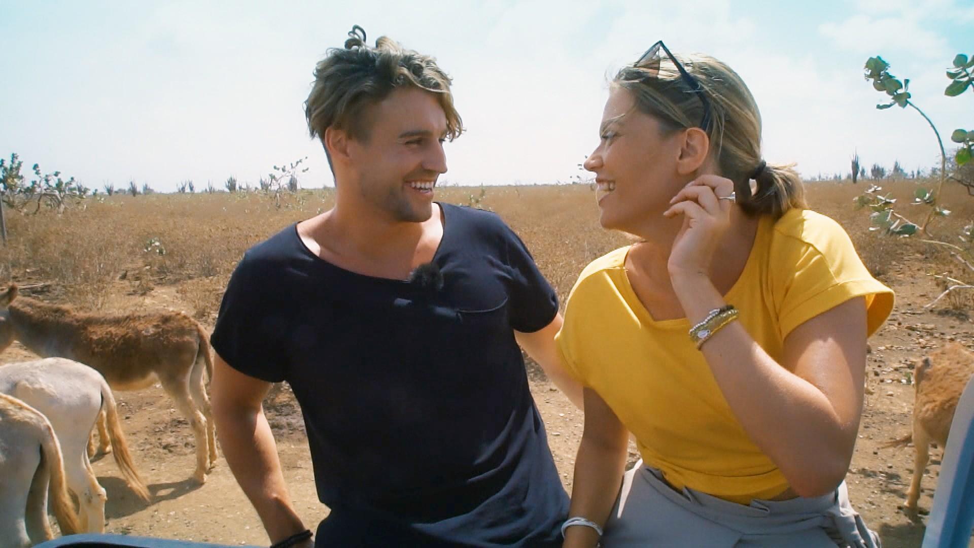 Auf einer Eselfarm kommen sich Alex und Nadine näher.