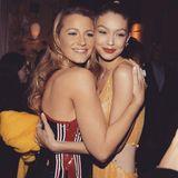 Anlässlich ihres 31. Geburtstages postet Gigi Hadid dieses Foto mit Blake Lively.