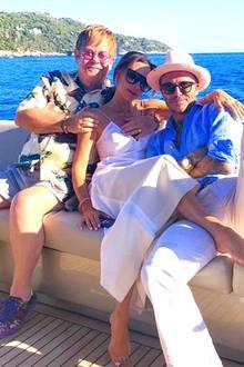 Dicke Promi-Freundschaft zwischen den Beckhams und Elton John. Diesen intimen Schnappschuss der Drei postet Victoria Beckham auf ihrem Instagram-Account.