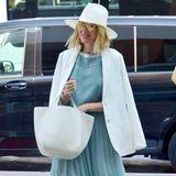 Naomi Watts erscheint in einem sommerlichen Outfit in Venedig.