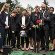 Am Sonntag (2. September) kullern Tränen: HansBeimer stirbt den Serientod - und seine Familie und Freunde trauern