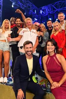"""Die Kandidaten von """"Promi Big Brother 2018"""" und die Moderatoren Jochen Schropp und Marlene Lufen"""