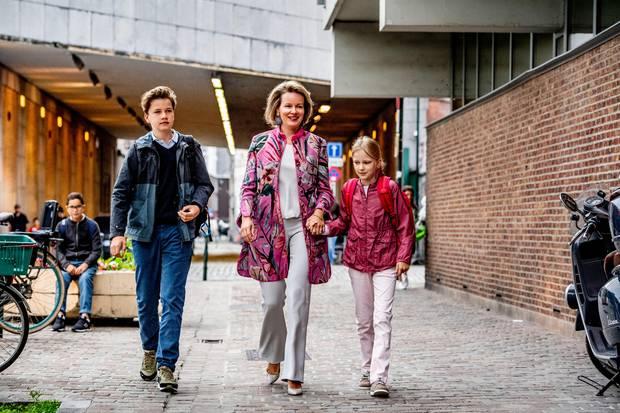 3. September 2018  Königin Mathilde bringt ihre Kinder Prinz Gabriel und Prinzessin Eleonore an ihrem ersten Schultag nach den Sommerferien zur Schule in Brüssel.