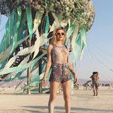 """Burning Man""-Fan Frances Bean Cobain zeigt sich tagsüber im verspielten Hot-Pants-Look ..."