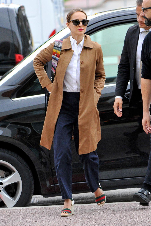 Ganz businesslike kommt Natalie Portman zum Filmfestival in die Lagunenstadt. Wir sind gespannt auf ihren Red-Carpet-Look!
