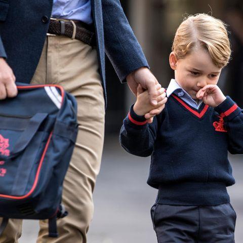 Prinz George auf dem Weg zur Schule