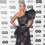 """GQ Men of the Year Awards 2018: Volants, Glitzer, Schleifchen - wäre der Stoff der """"Ralph & Russo""""-Robe, die Rita Ora trägt, nicht durchsichtig und würde ihre Dessous zeigen, hätten wir es hier mit dem perfekten Prinzessinnenkleid zu tun."""