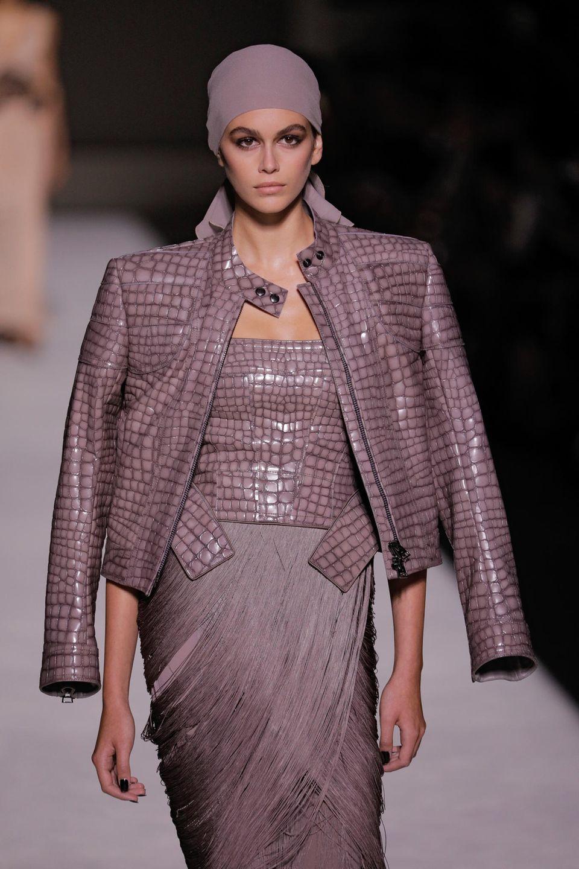 Zu den bekannten Models auf dem Runway gehört auch Kaia Gerber, die Tochter von Cindy Crawford.