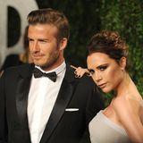 Zur Oscar Party von Vanity Fair darf es dann die etwas glamourösere Tolle sein. Zusammen mit Anzug und Fliege gibt er an der Seite von Ehefrau Victoria ein schickes Bild ab.