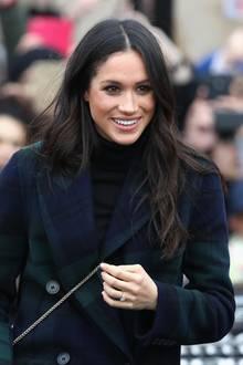 Herzogin Meghan in einem Burberry-Mantel
