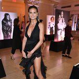 Heidi Klum besucht die Ausstellungsparty im New Yorker Plaza Hotel im sexy Dress vom australischen Designer Toni Maticevski.